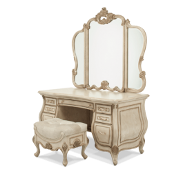 Platine De Royale Bedroom Set